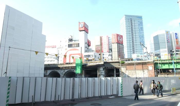 2010_0417003e_2